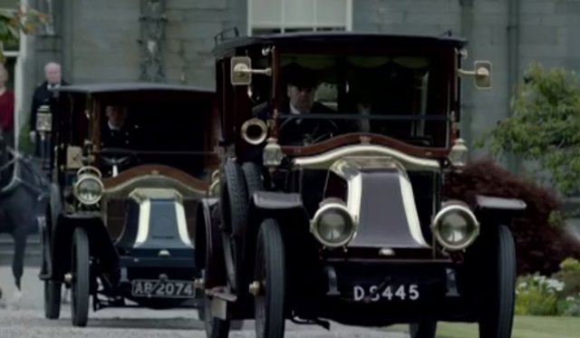 File:TwoRenaults2S3E9.png