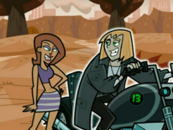 S03e03 Johnny flirting with Brittany