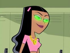 S01e02 Paulina with the amulet