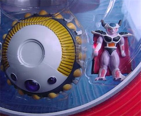 File:Irwin 2000 King Cold's Spaceship 948 Die Cast close c.PNG