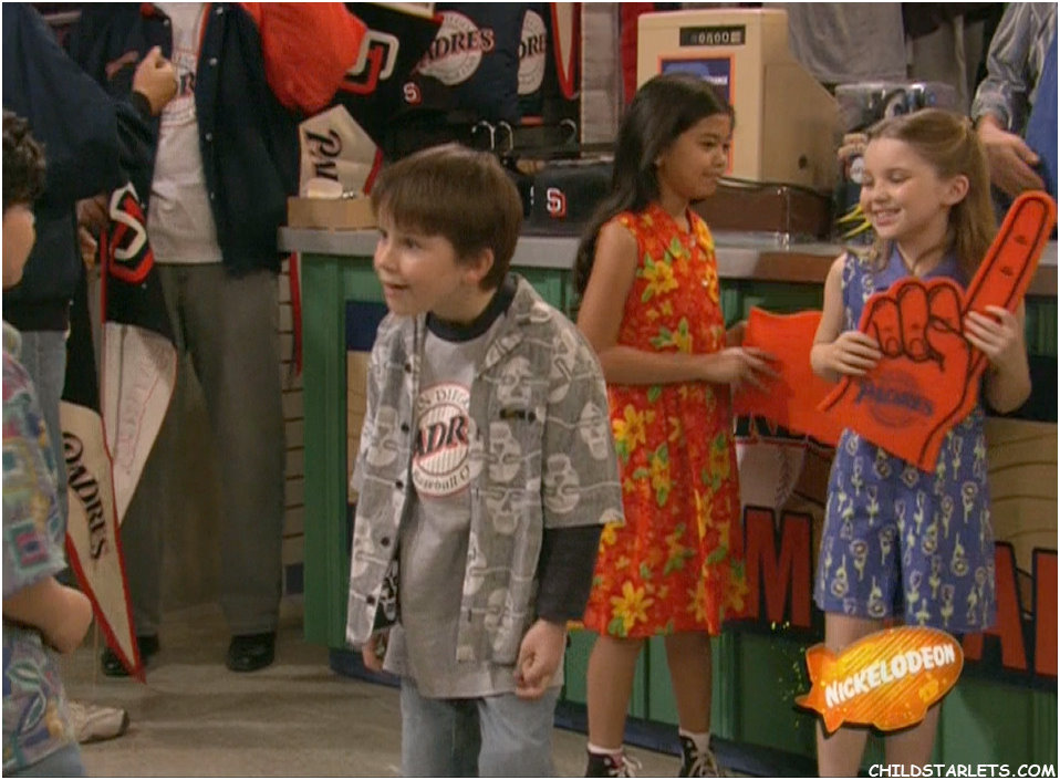 Image - Foam Finger 49.jpg | Drake and Josh Wiki | FANDOM ... | 958 x 705 jpeg 147kB