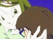 Midori hugging arale