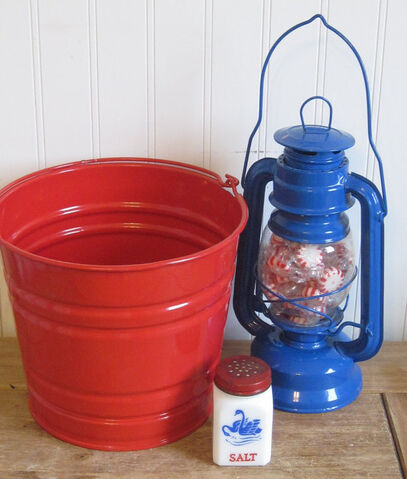 File:Vintage Red White and Blue Salt Shaker, Lantern and Galvanized Bucket for outdoor summer entertaining party.jpeg