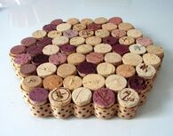Upcycled-wine-cork-trivet--UDU2Ny0xMDY1ODEuMzY5NTg4