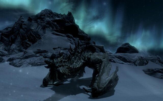 File:Paarthurnaax (night).jpg