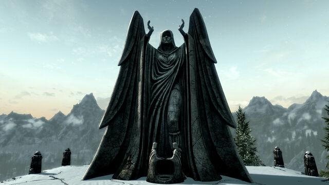 File:Meridia's Statue.jpg