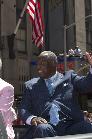 File:Hank Aaron All Star Parade 2008.jpg