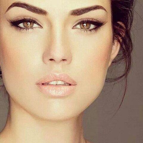 File:Makeup erza.jpg