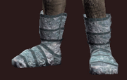 Valiant Thief's Chain Shoes (Equipped)