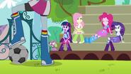 Rainbow Dash agrees to help EG