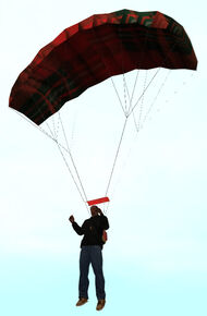 CJ Usando el paracaídas.jpg