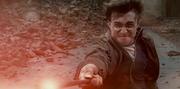Harry durante el duelo final.png