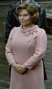 Dolores como subsecretaria.jpg
