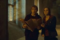 Hermione y Ron con el mapa.jpg