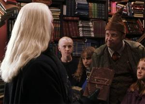 Lucius enfrentándose a Arthur.png