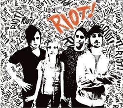 Paramore Riot!.jpg
