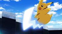 EP930 Pikachu de Ash usando cola férrea.png
