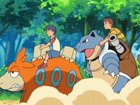 Archivo:EP560 Alumnos cabalgando con sus Pokémon.png