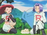 Archivo:EP254 Team Rocket comiendo.png