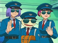 EP528 Team Rocket con el cofre
