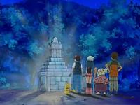 Archivo:EP525 El monumento es reconstruido.png