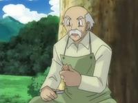 Archivo:EP540 Anciano tallando la figura de Riolu (2).png