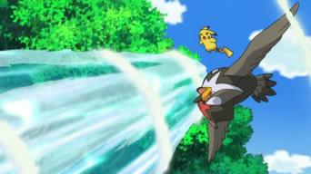 Archivo:EP660 Staraptor y Pikachu esquivando Hidrobomba.jpg