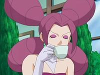 Archivo:EP562 Fantina tomando un café.png