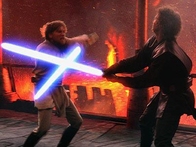 Archivo:Revenge-lightsaber l.jpg