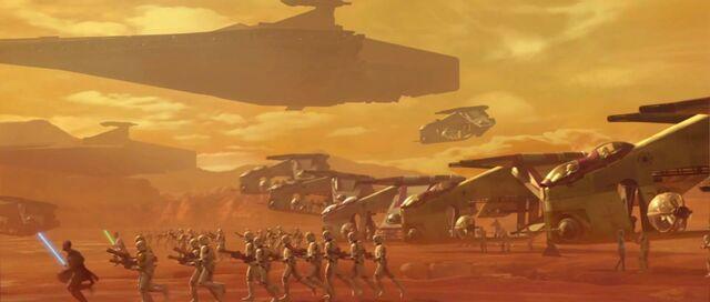 Archivo:Clone Army Charge.jpg