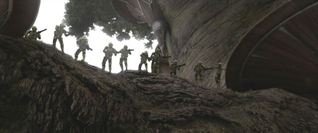 Archivo:41st Elite Corps Swamp Troopers fighting on Kashyyyk.jpg