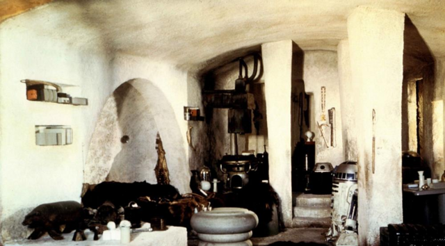 Archivo:Interior de la Choza de Ben Kenobi.png