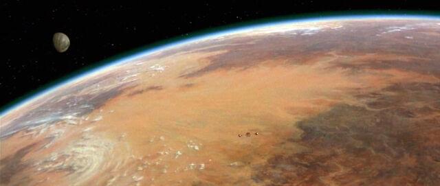 Archivo:Tatooine-luna.jpg