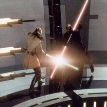 Maul enfrentando a Jinn en el generador de Theed.jpg
