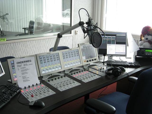 Archivo:Radio.png