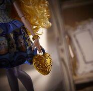 Diorama - purse of Blondie