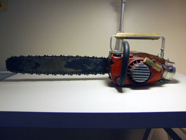 File:Chainsaw Ash s Chainsaw by ForgedwithFire.jpg