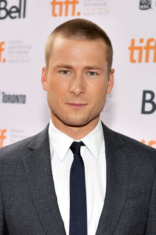 File:Glen Powell Writers Premiere Arrivals 2012 1V4LYCf-Qthl.jpg