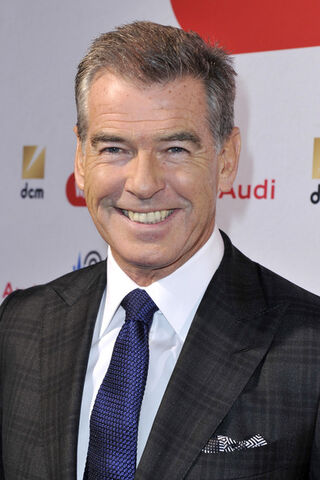 File:Expendables 4 star Pierce Brosnon.jpg