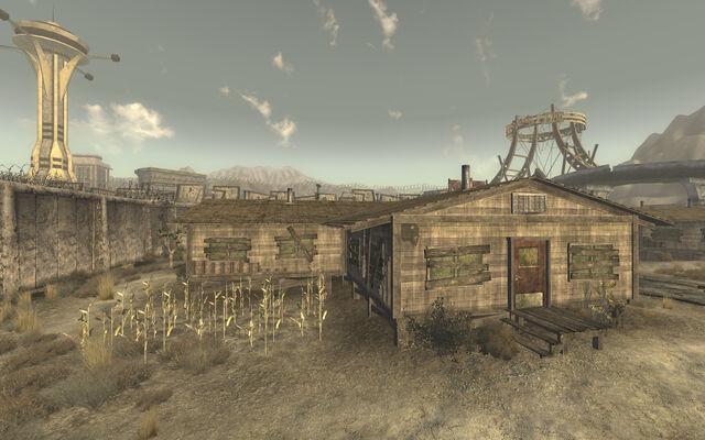 File:Caravaneer barracks.jpg