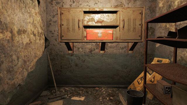 File:FO4 Back Street Apparel box.jpg