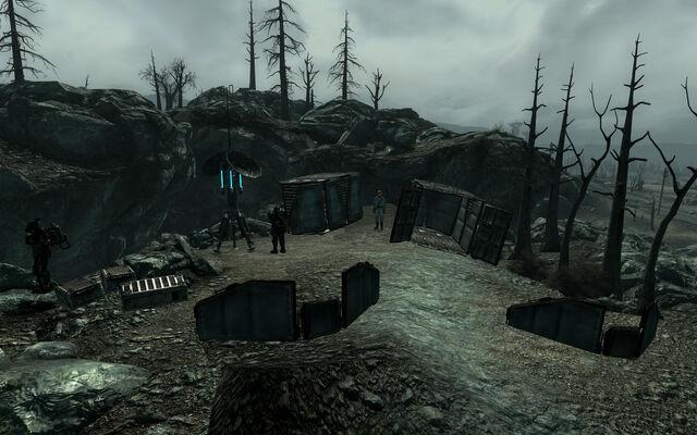 File:Enclave-Deathclaw.jpg