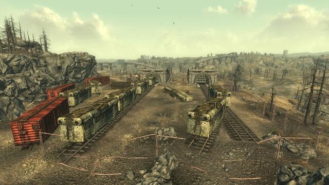 File:Meresti Trainyard.jpg