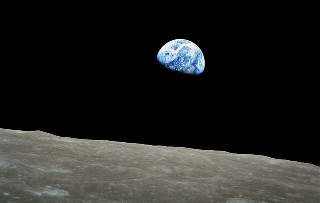 File:Earthrise.jpeg