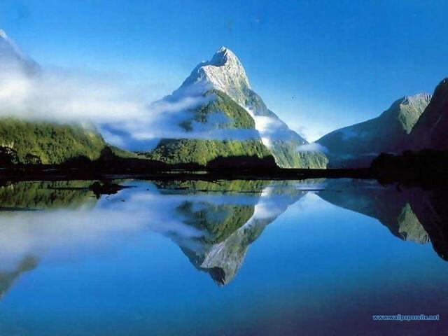 File:Mountain wallpaper 005 1024.jpg