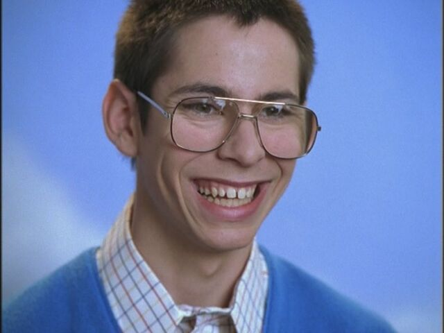 File:Opening-Credits-Martin-Starr-freaks-and-geeks-17545307-800-600.jpg