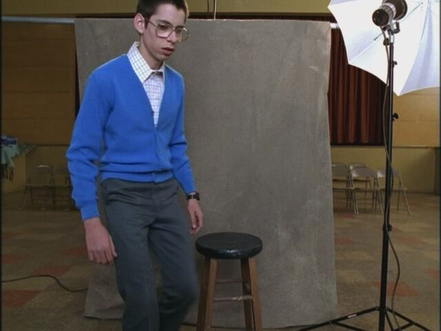 File:Opening-Credits-Martin-Starr-freaks-and-geeks-17545283-800-600.jpg