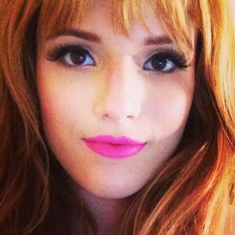 File:Bella-thorne-2.jpg
