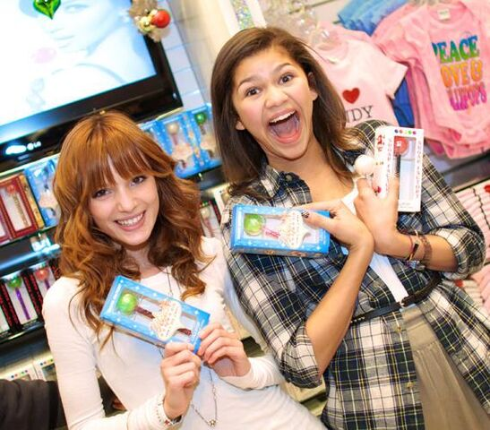 File:Bella-Thorne-and-Zendaya-with-Sugar-Factorys-Couture-Pops-570.jpg