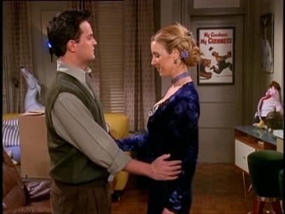 File:5x14 Chandler Phoebe awkward.jpg